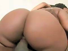 Black Girls With Banging Bodies And Huge Booties In Threesome